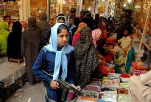 Pakistani Women Banned From Shopping Alone During Ramadan