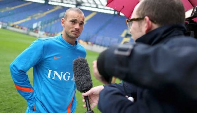 Wesley Sneijder Thanks Indonesian Fans