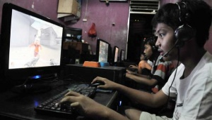 Japan to Establish Internet Addiction Camps