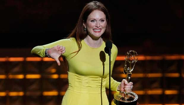 Jadi Sarah Palin, Julianne Moore Raih Emmy Awards