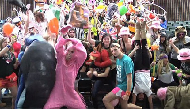 Joget Harlem Shake. bbc.co.uk
