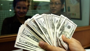 Didorong Sentimen Positif, Rupiah Menguat ke Level 13.672 per USD