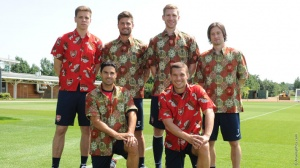 Arsenal Players Wear Indonesian Batik