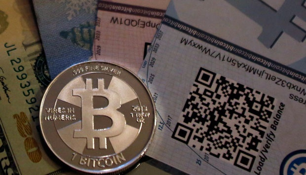 Mata uang digital Bitcoin. REUTERS/Jim Urquhart