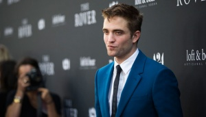 Robert Pattinson Siap Mental Hadapi Fans Batman.html