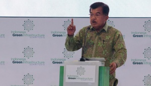 Kalla Challenges Youths to Create Cheaper, Better Energy