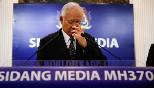 Malaysian PM Confirms Debris from MH370
