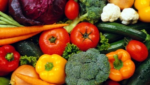 Survey: Indo's Spend Less on Fruits, Veggies Than on Cigarettes
