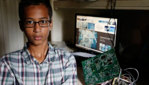 Obama Invites Student Arrested For Homemade Clock to White House
