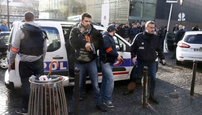 Knifeman in Paris Wounds 2 at Scene of Charlie Hebdo Attacks