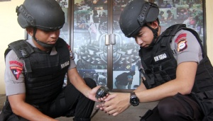 Two Active Grenades Found in Pangkep Gas Station
