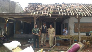 Strong Wind, Heavy Rains Damage Dozen of Houses in Jember