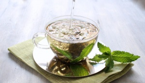 8 Health Benefits of Herbal Tea