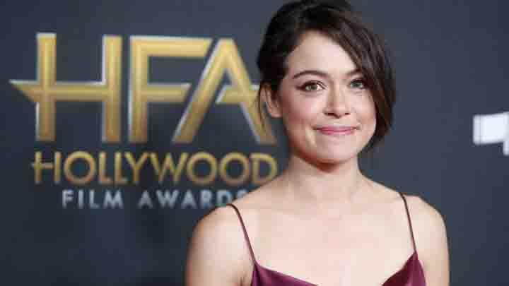 Aktris cantik Tatiana Maslany berpose saat menghadiri Hollywood Film Awards di Beverly Hills, AS, 5 November 2017. REUTERS/Danny Moloshok