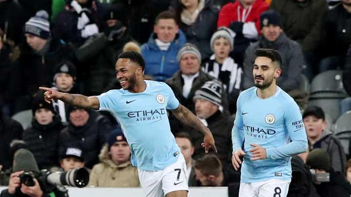 Gelandang  Manchester City Raheem Sterling, melakukan selebrasi setelah mencetak gol ke gawang Newcastle United pada pertandingan Liga Inggris di St James' Park, Newcastle, 28 Desember 2017. REUTERS/Scott Heppell