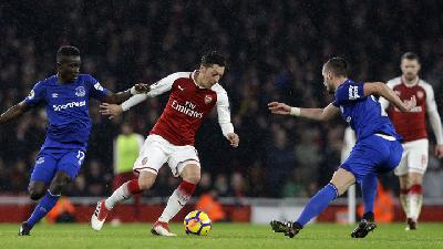 Everton held by Arsenal as New Boss Ancelotti Watches on