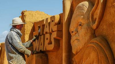 Star Wars Theme Park; Disney Bets on New Planet to Astound Fans