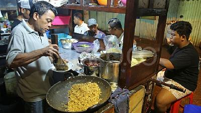 4 Best Places to Eat Nasi Goreng in Jakarta