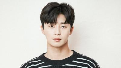 Jadi Youtuber, Park Seo Joon Raih Gold Play Button
