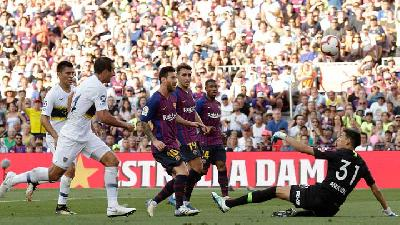 Barcelona Bungkam Boca Juniors 3-0 di Camp Nou
