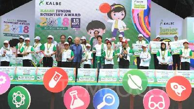 Serunya Acara Kalbe Junior Scientist Award