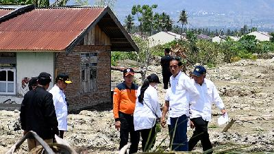 Jokowi Affirms Housing for Quake Victims to be Completed Shortly