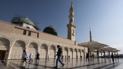Saudi Suspends Umrah to Prevent Coronavirus from Reaching Kingdom
