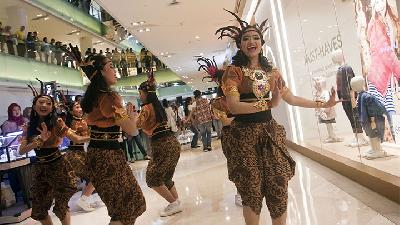 Kemeriahan Indonesia Menari 2018 di Mall Grand Indonesia