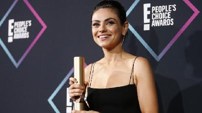 Mila Kunis Raih Penghargaan dalam People Choice Awards