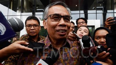 OJK Chief: We Will Revoke Permits of Errant Companies