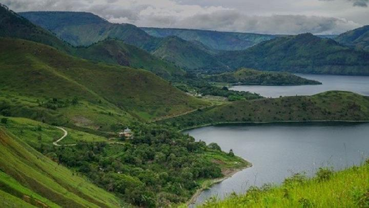 Lake Toba, North Sumatra. (shutterstock.com)
