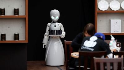 Minister Warns People as Robot Become More Developed