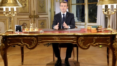 Macron to Speed Up Tax Cuts, Raise Wages at