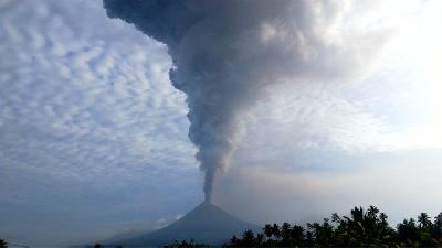 PLN: Mount Soputan Eruption Does Not Beset Electricity Network