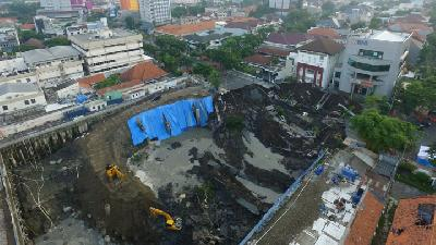 Construction Expert Explains Surabaya Sinkhole Incident