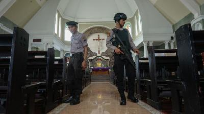 Police Deploy 5,500 Personnel to Secure Easter Celebration