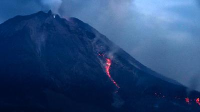Report from Last Weekend: 3 Mount Eruptions and an Earthquake