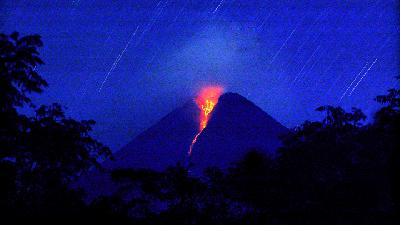 Lava Flows; Public Advised to Steer Clear of Merapi