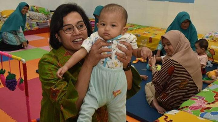 Finance Minister Sri Mulyani at the ministry's daycare facility. Instagram.com/@smindrawati