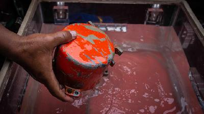 Indonesian Divers Find Crashed Lion Air Jet's Second Black Box