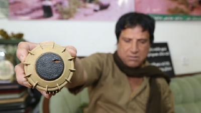 Hoshyar Ali, Double Amputee Clears Mines in Iraq