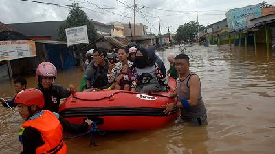 Flood Hit Several Regions in South Sulawesi