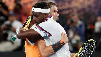 Ruthless Nadal Sees Off Tiafoe to Cruise into Last Four