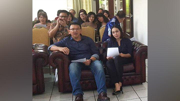 Former Jakarta Governor Basuki Tjahaja Purnama or Ahok (left) and his family and relatives after his release from his jail time in Jakarta, January 24, 2019. ANTARA/Tim BTP