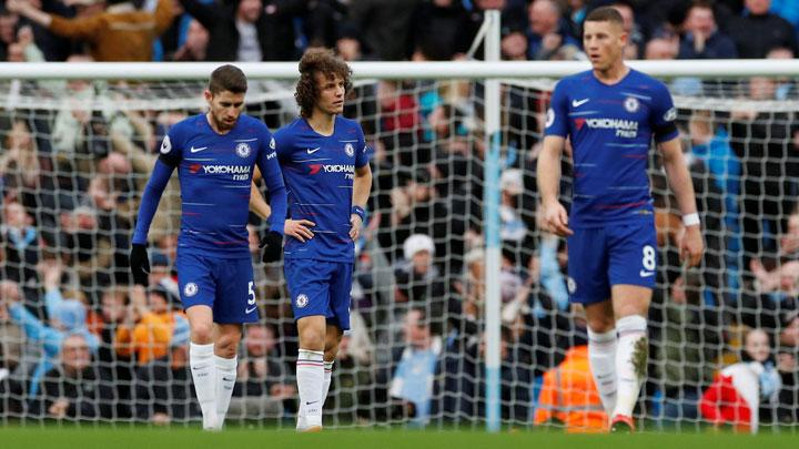 Chelsea's David Luiz, Ross Barkley and Jorginho react after conceding their fourth goal scored by Manchester City's Ilkay Gundogan during the Premier League match between Manchester City v Chelsea at Etihad Stadium, Manchester, February 10, 2019. REUTERS/Phil Noble