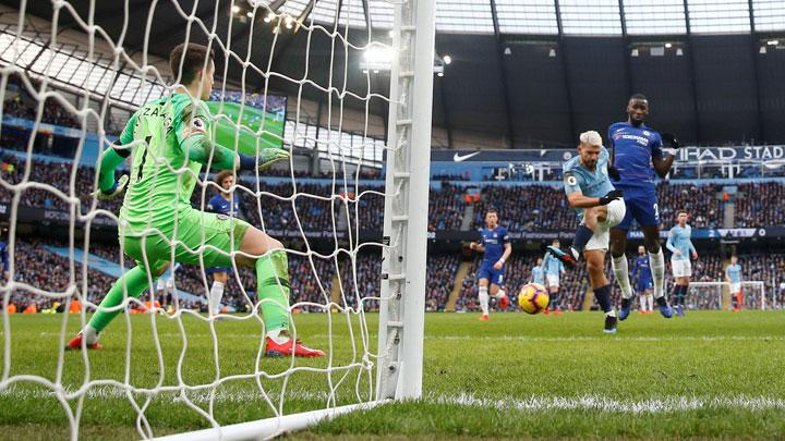 Manchester City's Sergio Aguero scores their third goal during the Premier League match between Manchester City v Chelsea at Etihad Stadium, Manchester, February 10, 2019. Action Images via Reuters/Carl Recine