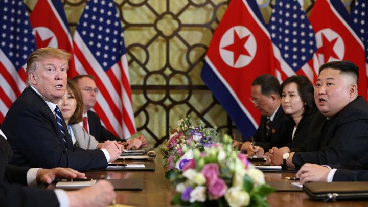 North Korea's leader Kim Jong Un and U.S. President Donald Trump speak at the extended bilateral meeting in the Metropole hotel during the second North Korea-U.S. summit in Hanoi, Vietnam February 28, 2019. REUTERS/Leah Millis
