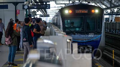 MRT Jakarta Fare Pricey; Anies Awaits Regional Council's Decision