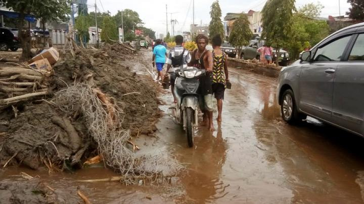 Death toll in floods in Sentani, Papua rises to nearly 80