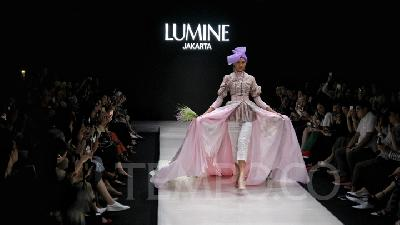 Koleksi Lumine dan Harlan Tampil di Plaza Indonesia Fashion Week